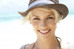 Get a beautiful, confident smile with porcelain veneers | Dr. Craig Carlson
