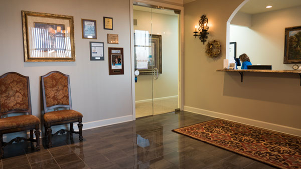 Reception Area - Advanced Cosmetic Surgery - Dr. Levi J. Young - Overland Park, KS