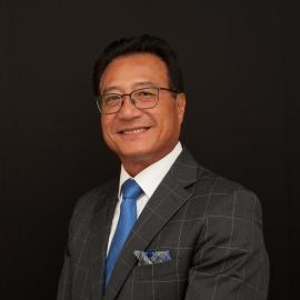board-certified plastic surgeon Dr. Paul Kim