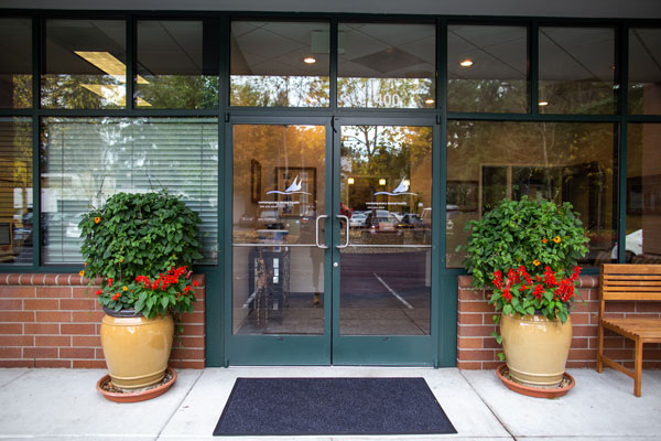 Contemporary Dental Health - Entrance - Lake Oswego, OR
