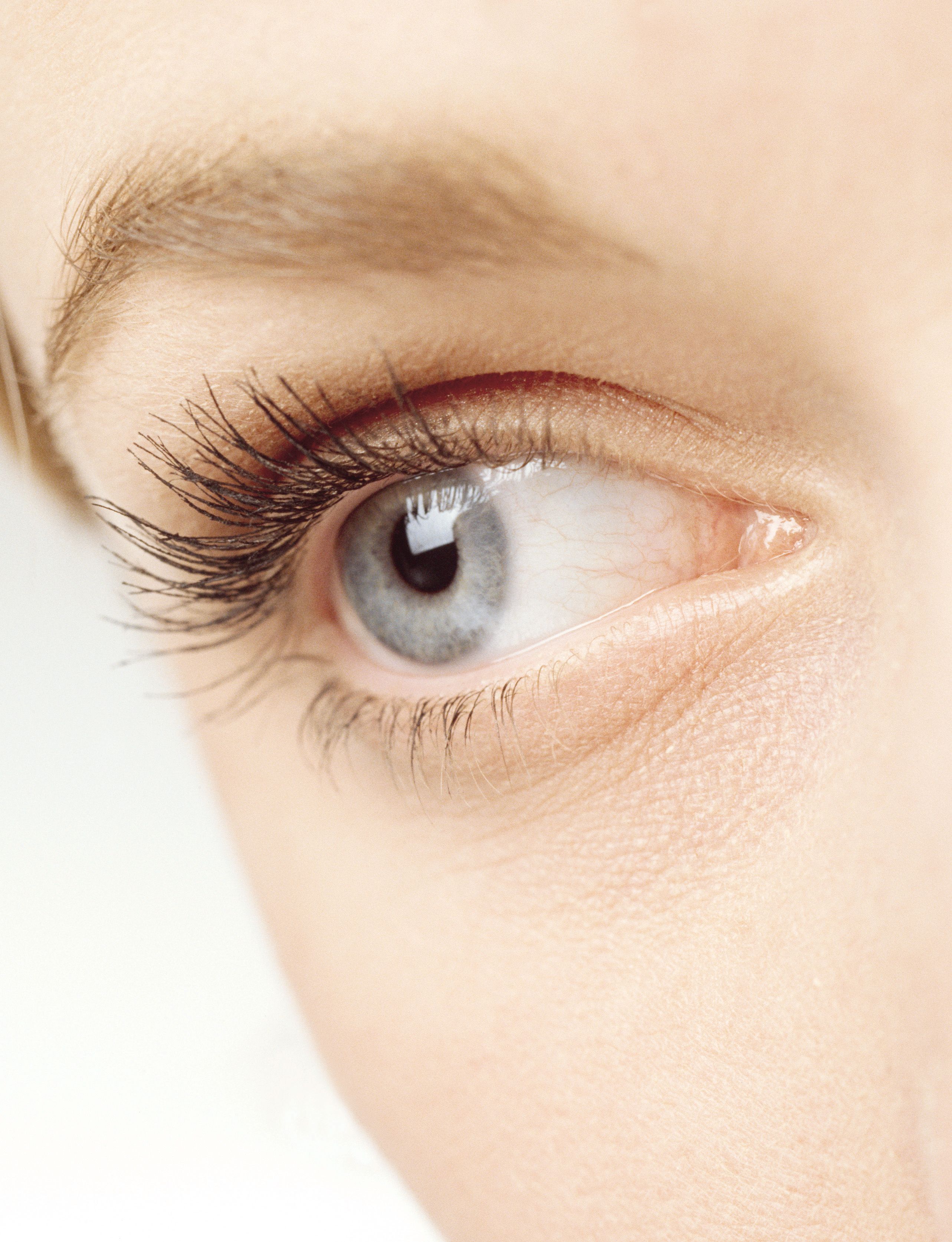 Grow Cut longer eyelashes