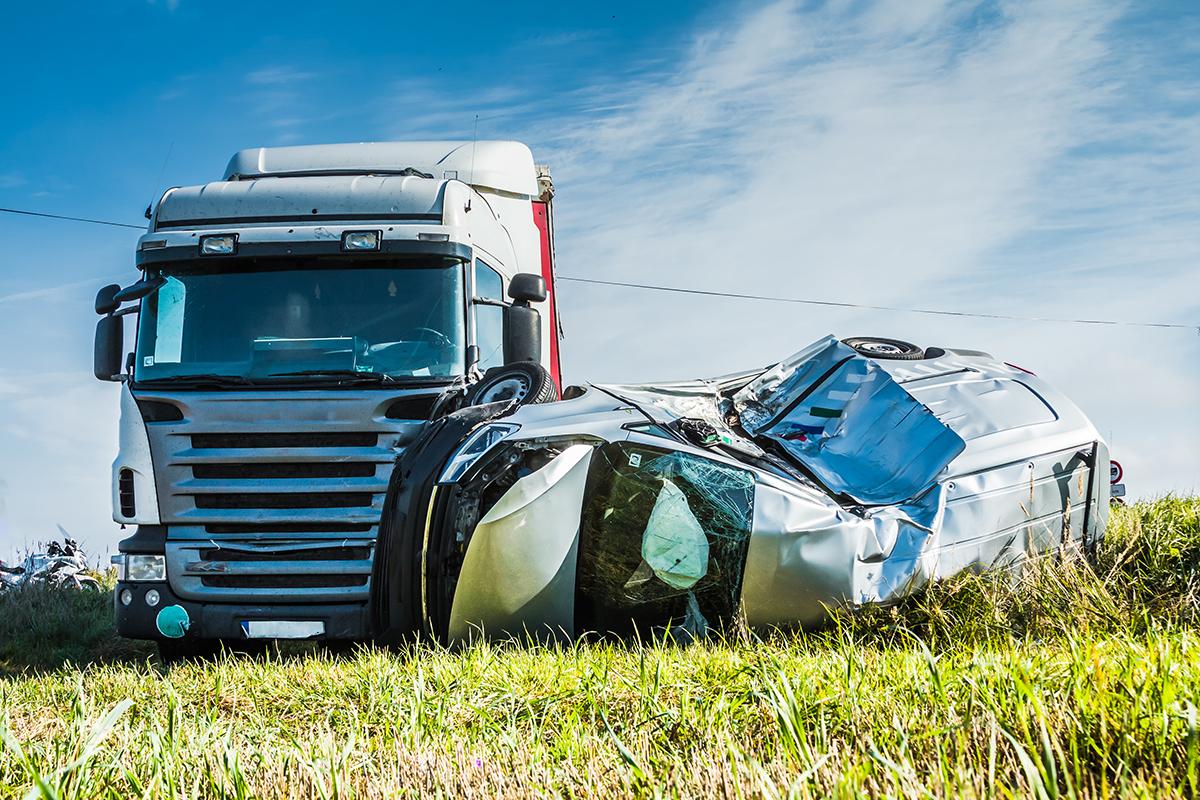 trucking-accident-naples-fort-myers-AdobeStock_228003840.jpg