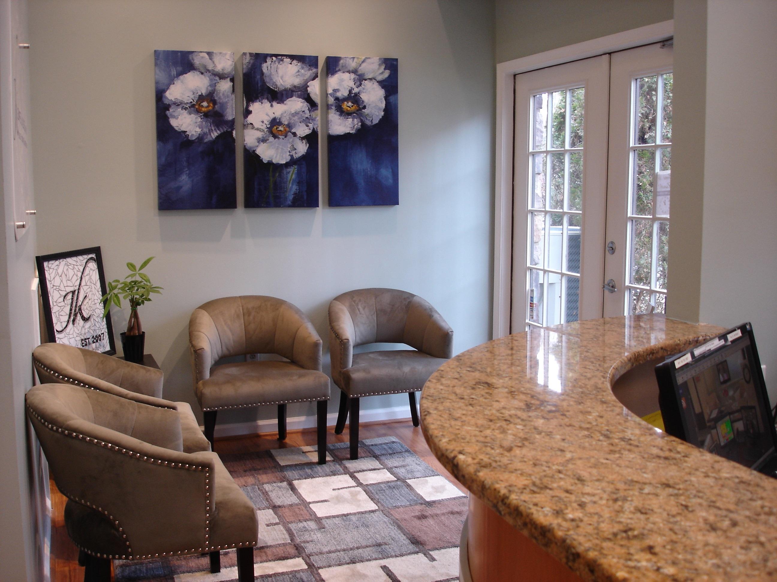 Lobby of Dentist Dr. Kalochie