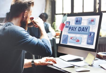 employee payday reminder on computer screen