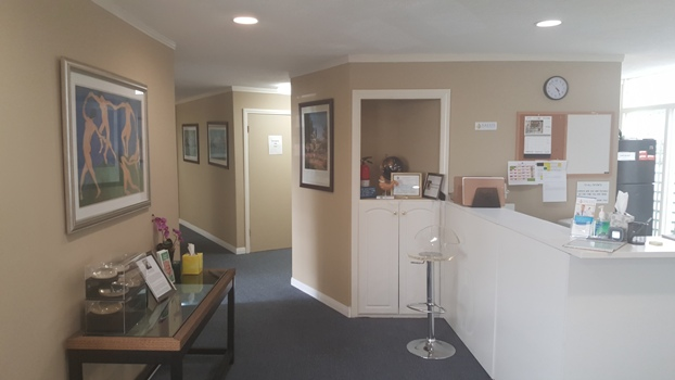 front desk at the office of Michael Omidi, MD in Beverly Hills