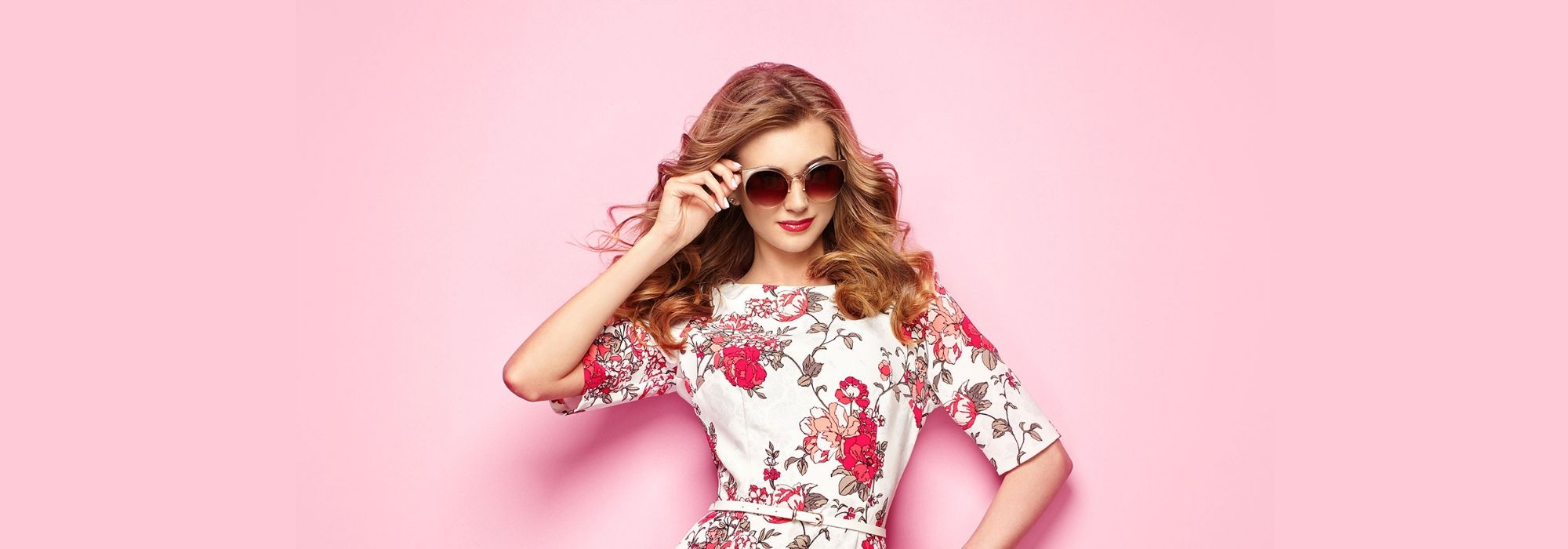 Woman with sunglasses on