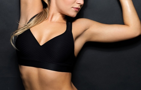 woman wearing black sports bra