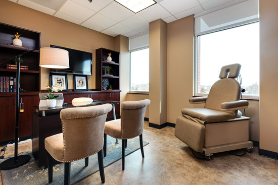 Consultation Office - Renue Aesthetic Surgery - Dr. Victor Perez - Kansas City, MO